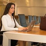 Su.B Femmes 15.6 pouce Sac en Cuir Véritable Pour Ordinateur Portable Sac d'épaule Sac à Main avec une Lanière pour Trolley pour Laptop Notebook MacBook- Fabriqué en Italie - Noir de la marque Su.B image 4 produit